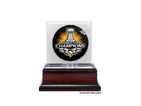 Pittsburgh Penguins Fanatics Authentic 2017 Stanley Cup Champions Mahogany Hockey Puck Logo Display Case