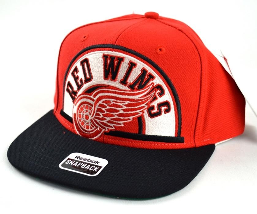 Reebok Kšiltovka Detroit Red Wings Arched Snapback Distribuce: EU